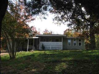 40 Kato Dr, Cherokee Village, AR 72529