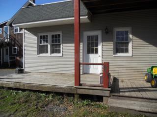 246 Belmont St, Waymart, PA 18472