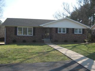 112 Sherwood Dr, Hopkinsville, KY 42240
