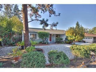 1846 Barton St, Redwood City, CA 94061