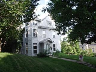921 College Avenue, Davenport IA