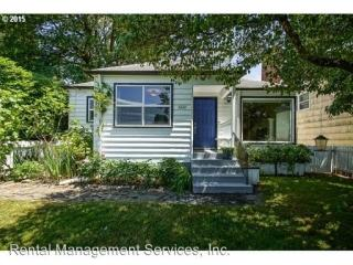 8226 SW 9th Ave, Portland, OR 97219