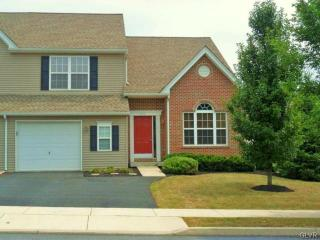 1525 Cambridge Dr, Macungie, PA 18062