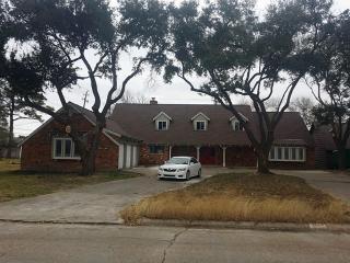 5014 Goose Creek Dr, Baytown, TX 77521