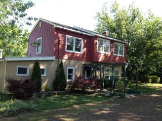 911 Lakewood Farmingdale Rd, Howell, NJ 07731