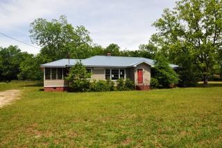 724 N Main St, Swainsboro, GA 30401