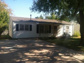 140 N Doris St, Wichita, KS 67212