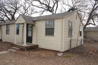 332 N Bebe St, Wichita, KS 67212