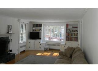 11 Nantucket Rd, Wellesley, MA 02481