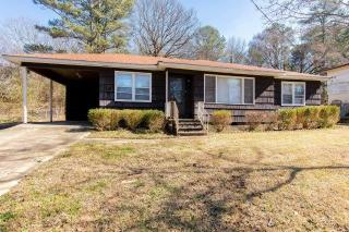 2401 4th St NE, Center Point, AL 35215