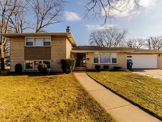 15232 Waterman Ct, South Holland, IL 60473