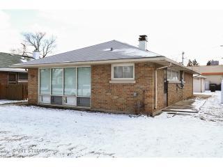 5153 Jarlath Ave, Skokie, IL 60077