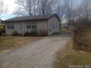 814 Walnut Dr, Cottage Hills, IL 62018