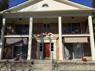715 Highwood Dr, Louisville, KY 40206