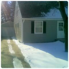 2204 Pierce Ave, Rockford, IL 61103