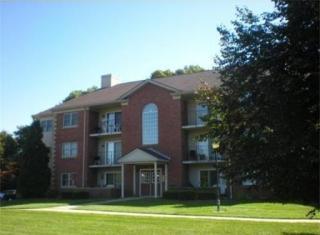 15 Maple Crest Cir #E, Holyoke, MA 01040