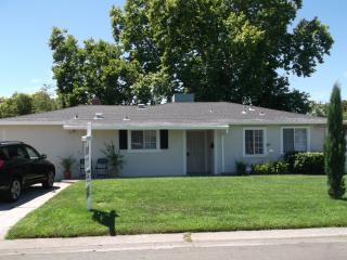 3320 Churchill Rd, Sacramento, CA 95864
