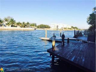 846 Raymond St, Miami Beach, FL 33141