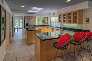 10037 N 52nd Pl, Paradise Valley, AZ 85253
