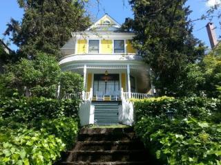 2622 Franklin Ave E, Seattle, WA 98102