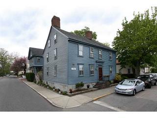 9 Chestnut Street, Newport RI