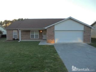 2941 Country Meadows Ln, Maryville, TN 37803