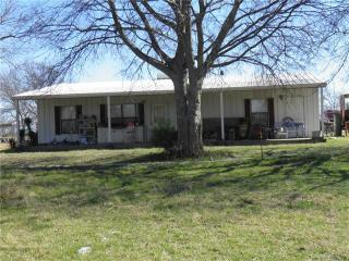 370 Rs County Road 4530, Point TX