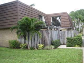 607 6th Ln, Palm Beach Gardens, FL 33418