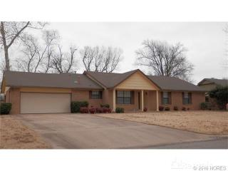 1206 Oakwood Dr, Broken Arrow, OK 74011