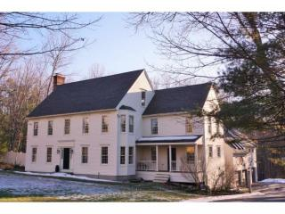 7 Mountain View Dr, Merrimack, NH 03054