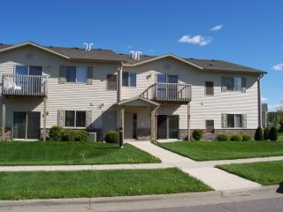 1220 Silver Dr #4, Baraboo, WI 53913