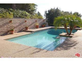 1332 Laurel Way, Beverly Hills, CA 90210