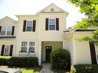 8280 Carob Tree Ln, Charlotte, NC 28215