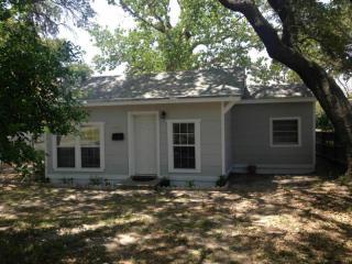 1052 Whitney St, Aransas Pass, TX 78336