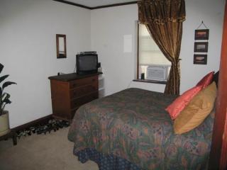 710 Kanawha Blvd W #3, Charleston, WV 25302