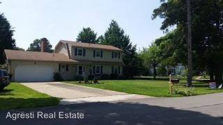 1410 Hardscrabble Blvd, Erie, PA 16505