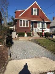 5 Pequot Ave, Port Washington, NY 11050