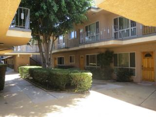 8960 Orion Ave #9, North Hills, CA 91343