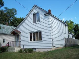 719 Crofton St SW, Grand Rapids, MI 49503