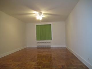 1000 Esplanade Ave, Bronx, NY 10461