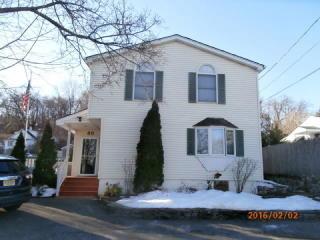 35 Ella St, Bloomingdale, NJ 07403