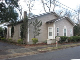 239 Broad St, Headland, AL 36345