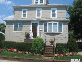 23 Maple Ave, Lynbrook, NY 11563