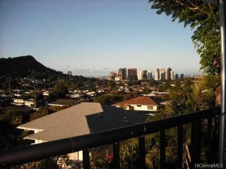 2313 Kaola Way #A, Honolulu, HI 96813