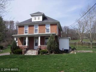 8319 Mentzer Gap Rd, Waynesboro, PA 17268