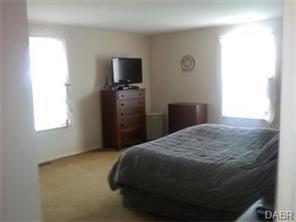 5707 Charlesgate Rd, Dayton, OH 45424
