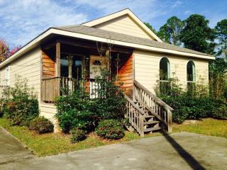 1428 Whitewood Dr, Gautier, MS 39553