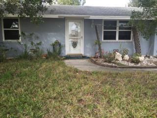 542 Lakemont Ave NW, Port Charlotte, FL 33952