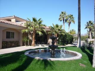 6933 E Fanfol Dr, Paradise Valley, AZ 85253