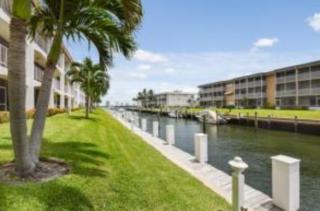 124 Shore Ct, North Palm Beach, FL 33408